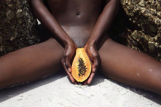 Black-Girl-Papaya